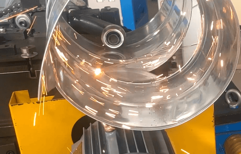 Spiral duct automatic cutting
