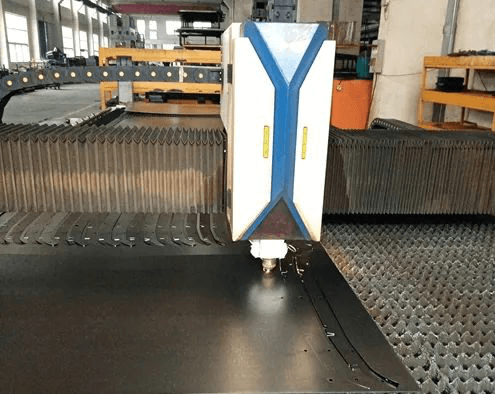 Two-dimensional laser cutting machine